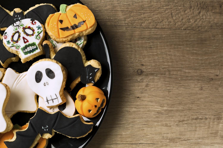 How to host a spooky fun halloween party for Homebuilder com